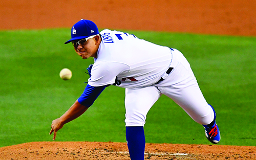 Smoltz thinks the kid-glove treatment of Urias and others is a flaw