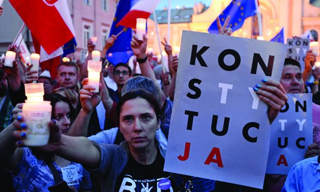 Poles protest for 8th day over contentious judicial changes