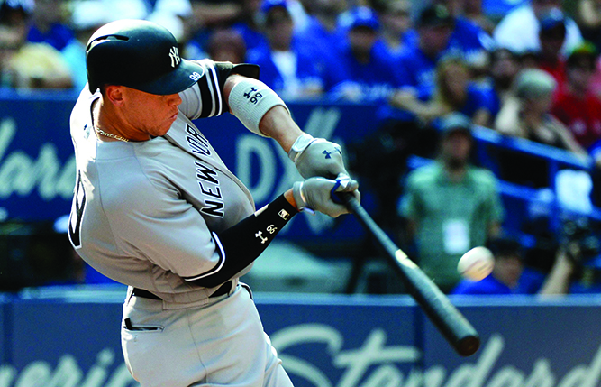 Bautista has 2 hits in home finale, Blue Jays beat Yanks