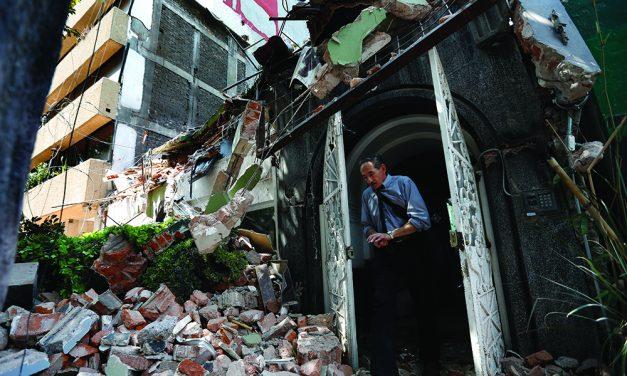 7.1 magnitude quake kills 139 as buildings crumble in Mexico