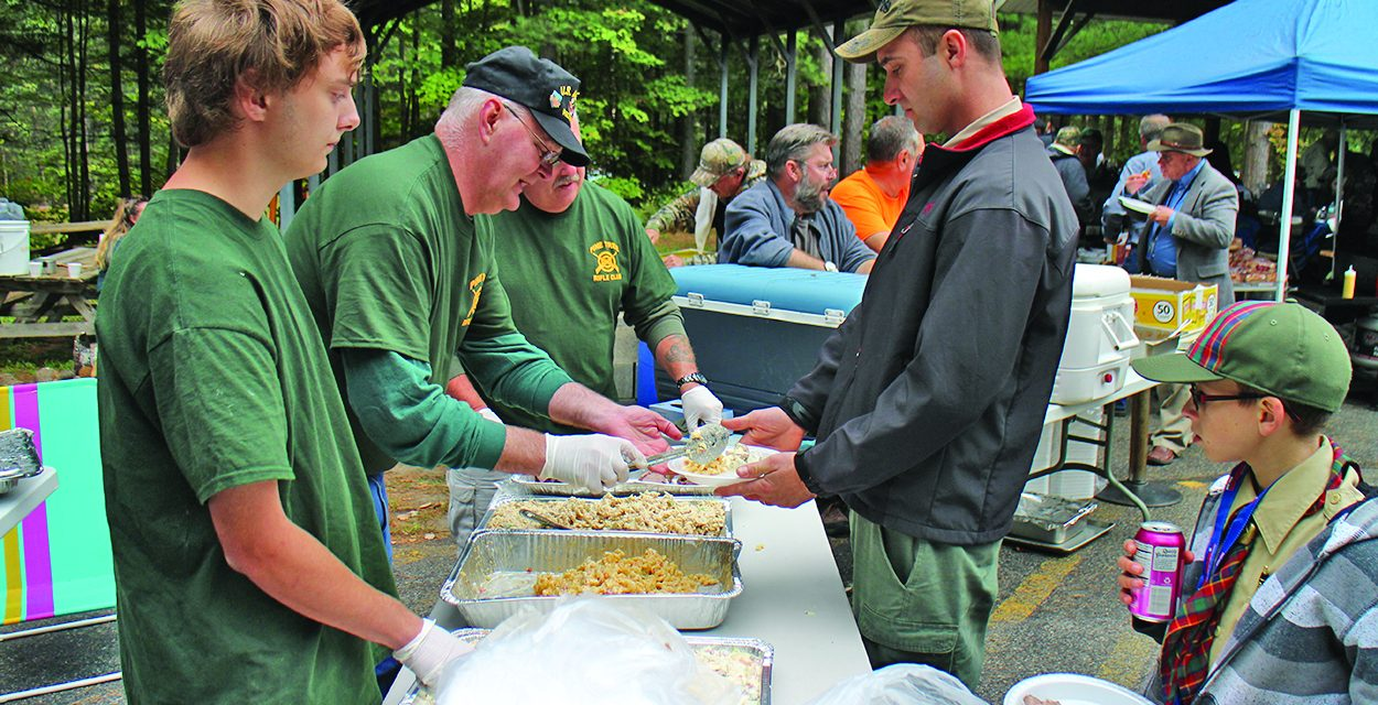 Hundreds gather for picnic to support veterans