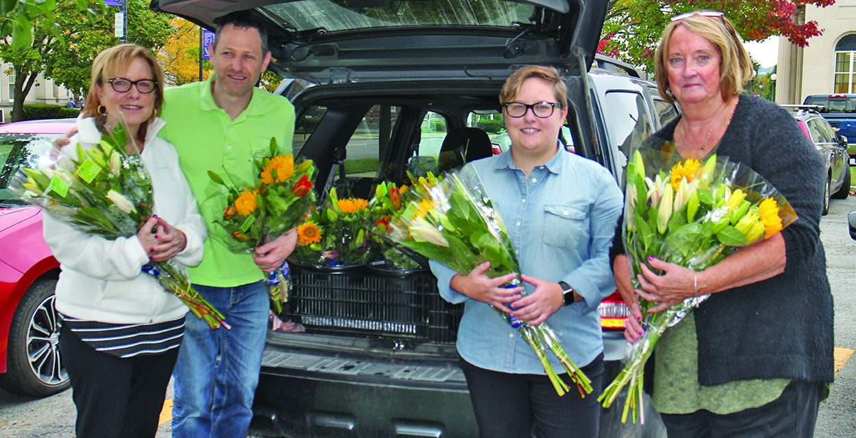 Johnstown residents surprised with bouquets during Petal it Forward