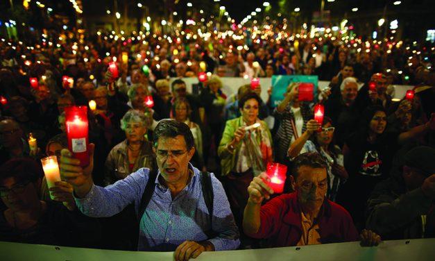 Catalans protest sedition case, court declares vote illegal