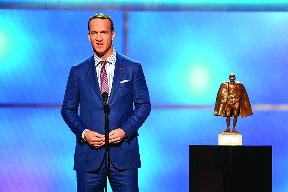 Peyton Manning goes deep with pass at NFL's storied history
